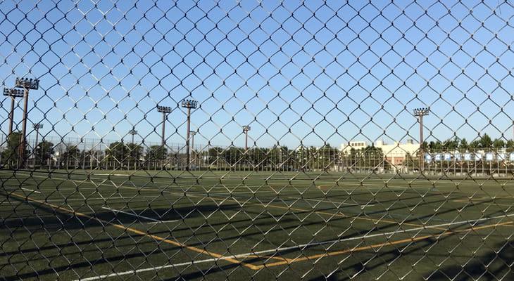 臨海球技場は人工芝のきれいな球技場です。