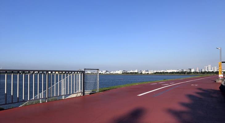 臨海公園の出口、中川河口です。