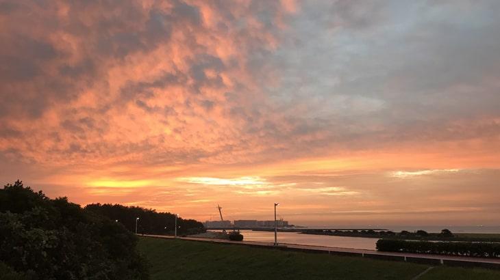 10月22日葛西臨海公園とディズニー。朝焼けが見事です