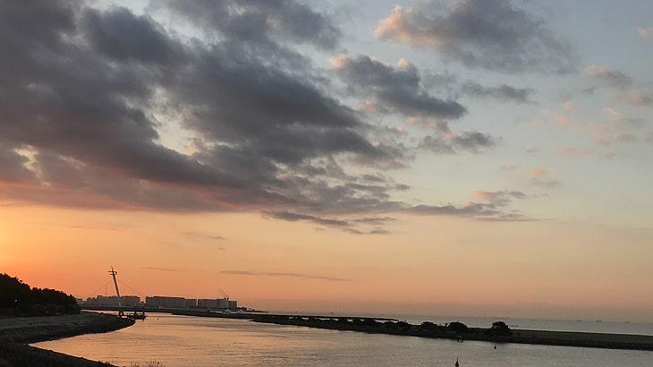 10月28日いつもの葛西臨海公園。この景色を見ながらほぼ毎日歩いています