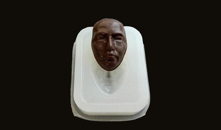 第六十五回。そろそろチョコレートのシーズン 自分の顔のチョコを作ってみる